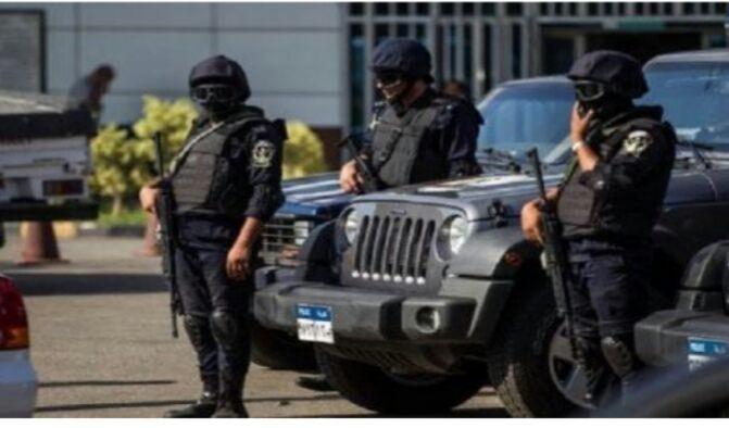 مقتل 3 رجال شرطة وإصابة آخرين في هجوم مسلح بالقاهرة