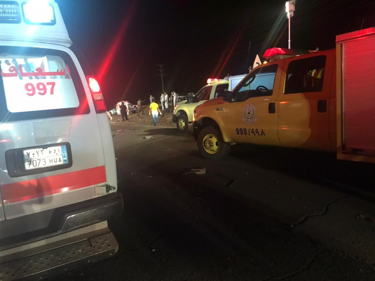 7وفيات و5 إصابات في طريق المدينة-القصيم- القديم