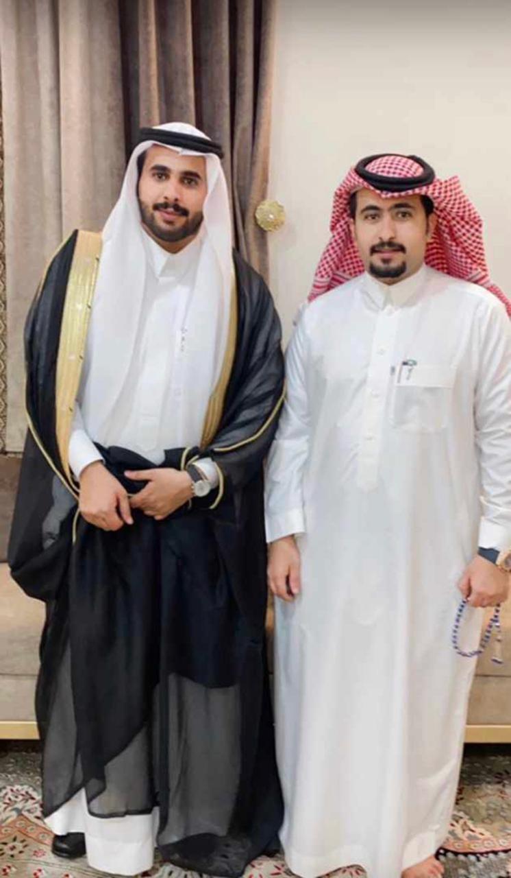 الزميل آل عقيل يحتفل بزواجه