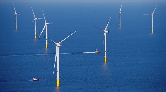 أمريكا تبني 7 محطات لتوليد الطاقة من الرياح في عرض البحر