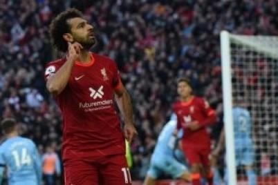 جارى نيفيل: محمد صلاح لن يبقى طويلا مع ليفربول ومستقبله بين 3 أندية