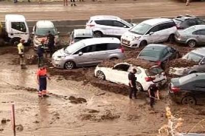 فيضانات وقطع للكهرباء وتعطل حركة القطارات في إسبانيا